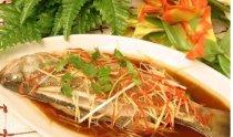 鲈鱼怎么做好吃,清蒸鲈鱼的做法