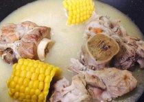 大骨头汤的做法,骨头汤的熬制方法